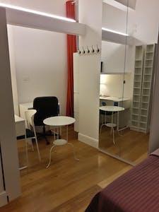 共用的房间租从30 3月 2020 (Via San Zanobi, Florence)
