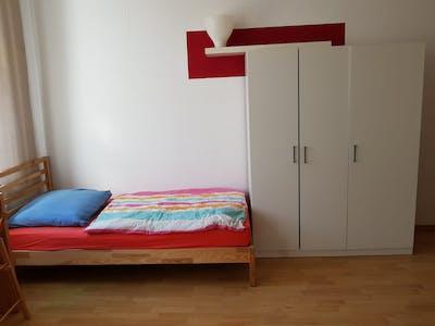 Mehrbettzimmer zur Miete ab 09 Mai 2020 (Lützowstraße, Berlin)