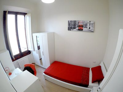 Room for rent from 01 Feb 2019 (Via della Cernaia, Florence)