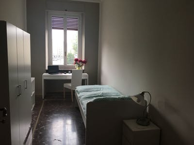 Private room for rent from 02 Jan 2019 (Corso Giulio Cesare, Torino)