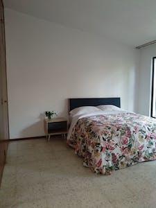 Habitación privada de alquiler desde 21 Feb 2020 (Calle Esmeralda, Guadalajara)