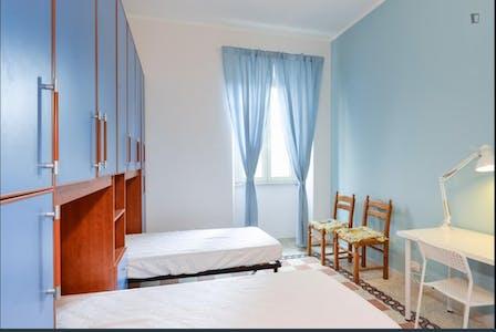 Gedeelde kamer te huur vanaf 01 aug. 2020 (Via dei Frassini, Roma)