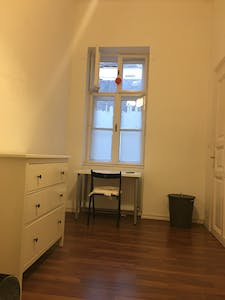 Private room for rent from 01 Oct 2019 (Akácfa utca, Budapest)