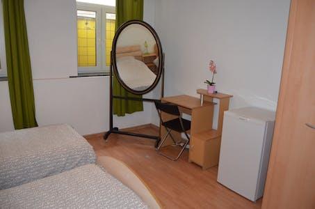 Private room for rent from 01 Jul 2020 (Poststraat, Schaarbeek)