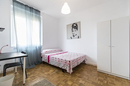 Private room for rent from 30 Jun 2019 (Calle de Toledo, Madrid)
