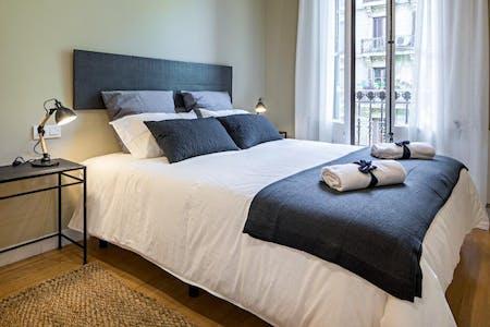 Apartamento para alugar desde 28 Feb 2020 (Carrer d'Enric Granados, Barcelona)
