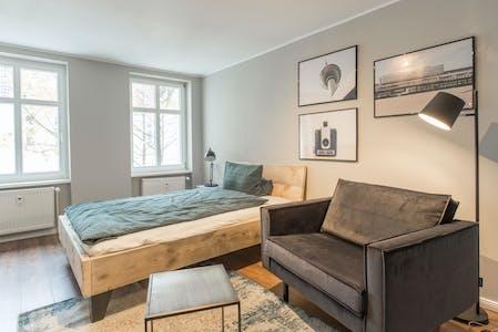 Apartment for rent from 01 Apr 2021 (Jablonskistraße, Berlin)