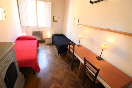 Shared room for rent from 19 Jan 2019 (Via Ghibellina, Florence)