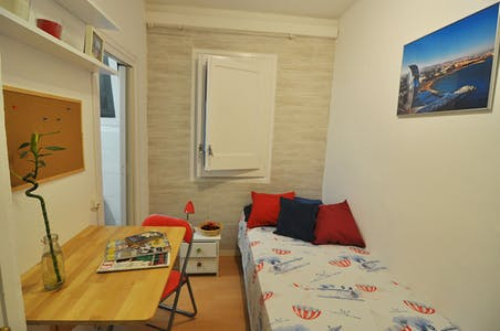 Private room for rent from 01 Feb 2020 (Carrer de Sicília, Barcelona)
