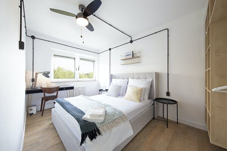 Private room for rent from 17 Dec 2018 (Glockenturmstraße, Berlin)