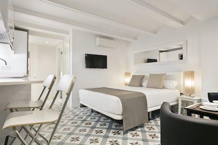 单间公寓租从01 Aug 2019 (Carrer de València, Barcelona)