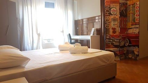 Privé kamer te huur vanaf 15 sep. 2019 (Ioulianou, Athens)
