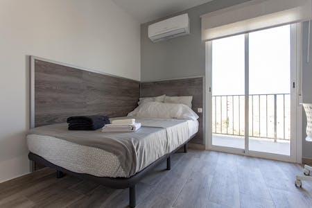 Chambre privée à partir du 01 Jul 2020 (Carrer de Fra Pere Vives, Valencia)
