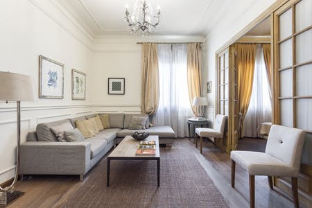 Apartment for rent from 21 Apr 2019 (Via Laietana, Barcelona)