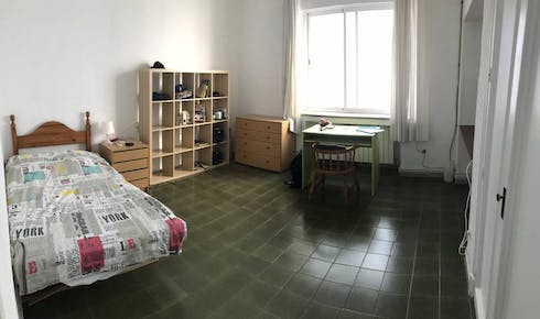 Private room for rent from 01 Jul 2020 (Calle Conde de Robledo, Córdoba)
