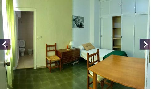 Private room for rent from 29 Nov 2019 (Calle Conde de Robledo, Córdoba)