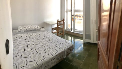 Private room for rent from 19 Aug 2019 (Calle Conde de Robledo, Córdoba)