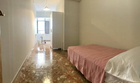 Private room for rent from 01 Jul 2019 (Calle Lope de Hoces, Córdoba)