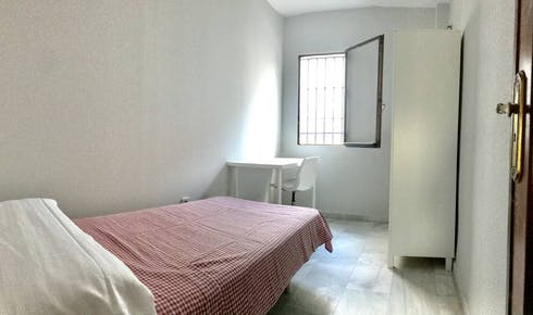 Private room for rent from 01 Feb 2019 (Calle Lope de Hoces, Córdoba)