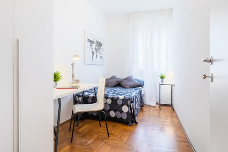Room for rent from 22 Oct 2018 (Via Pataro Buzzaccarini, Padova)