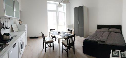 Appartement te huur vanaf 16 jun. 2019 (Untere Weißgerberstraße, Vienna)