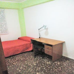 Private room for rent from 01 Feb 2020 (Calle Arquitecto Gilabert, Valencia)