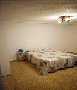 Private room for rent from 01 Jul 2020 (Carrer de Vidal de Canelles, Valencia)