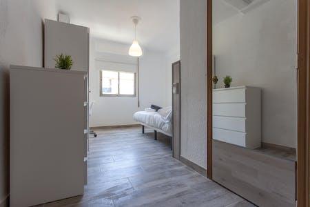 Private room for rent from 01 Jul 2019 (Carrer de Sèneca, Valencia)