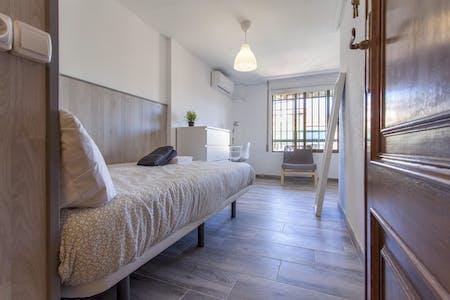 Private room for rent from 07 Sep 2019 (Carrer de Sèneca, Valencia)