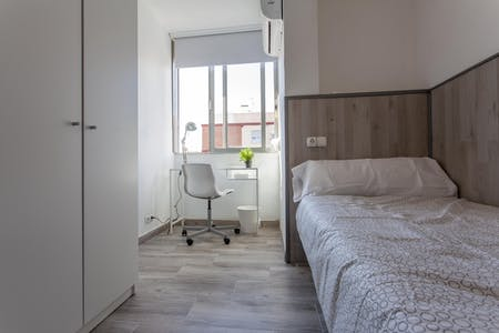 Private room for rent from 01 Jul 2019 (Carrer de Sèneca, Valencia)