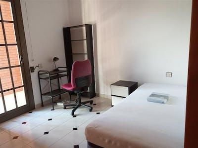 Private room for rent from 01 Jan 2020 (Avinguda de Mistral, Barcelona)