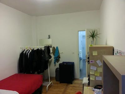 Private room for rent from 01 Mar 2019 (Rue de la Procession, Anderlecht)