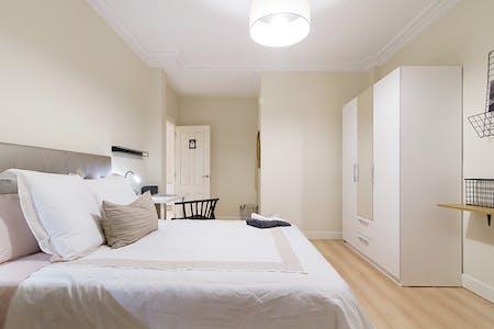 Private room for rent from 01 Jul 2019 (Alameda de Recalde, Bilbao)