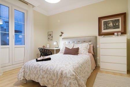 Private room for rent from 01 Aug 2019 (Alameda de Recalde, Bilbao)