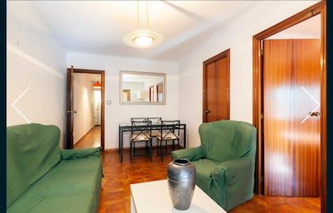 Room for rent from 11 Dec 2018 (Carrer de Beethoven, Santa Coloma de Gramenet)