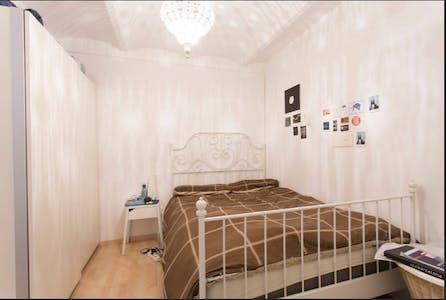 Apartment for rent from 01 Apr 2019 (Avinguda del Paral.lel, Barcelona)