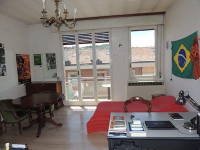 Geteiltes Zimmer zur Miete von 01 März 2019 (Via Andrea Costa, Bologna)