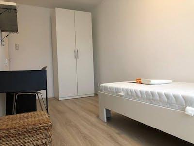 Privatzimmer zur Miete von 01 Feb 2020 (Schubertlaan, Leiden)