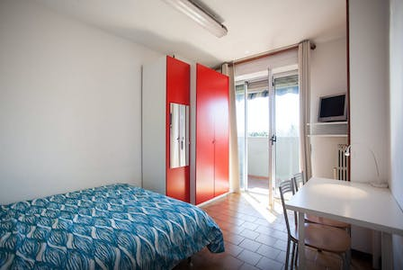 Private room for rent from 01 Aug 2019 (Via dei Missaglia, Milano)