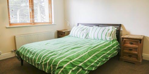 Habitación privada de alquiler desde 25 Aug 2019 (Pinewood Grove, Dublin)