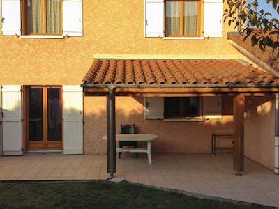 Private room for rent from 11 Dec 2018 (Impasse Léo Ferré, Meyzieu)