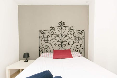 Private room for rent from 02 Jun 2019 (Calle Salvador, Granada)