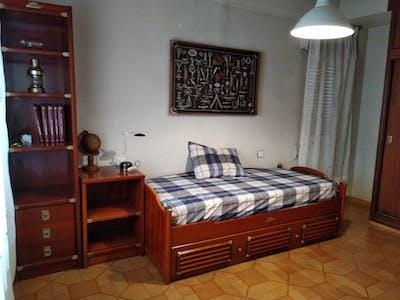 Habitación privada de alquiler desde 01 Jun 2019 (Calle Mariano Ruiz Funes, Murcia)