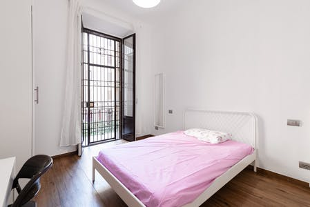Private room for rent from 19 Aug 2019 (Viale Lombardia, Milan)