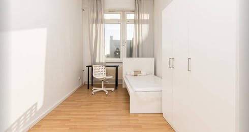 Private room for rent from 01 Feb 2020 (Bismarckstraße, Berlin)
