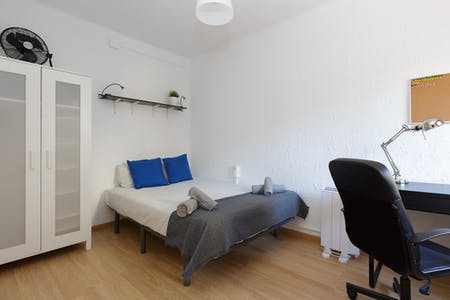 Habitación privada de alquiler desde 15 Sep 2019 (Carrer de Pareto, L'Hospitalet de Llobregat)