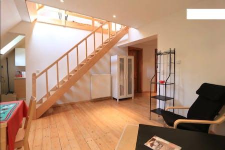 Wohnung zur Miete von 05 Jul 2019 (Boulevard Brand Whitlock, Woluwe-Saint-Lambert)