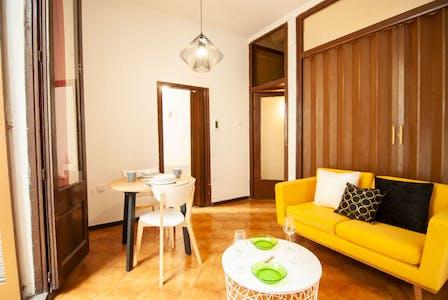 Appartement à partir du 15 août 2019 (Carrer de Valldonzella, Barcelona)