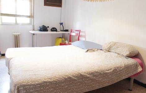 Chambre privée à partir du 01 juil. 2019 (Plaza del Giraldillo, Sevilla)