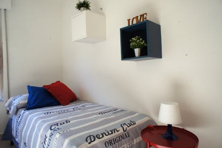 Private room for rent from 01 Jul 2019 (Avenida Antoñete Gálvez, Murcia)